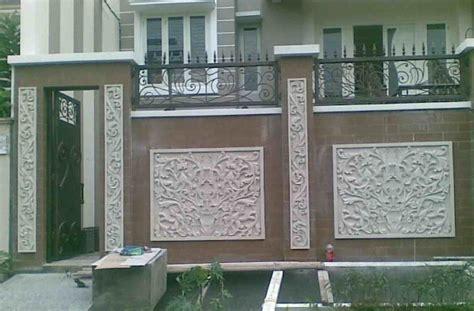 foto pagar besi minimalis batu alam eksterior