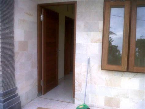 batu alam rumah tinggal desain interior eksterior
