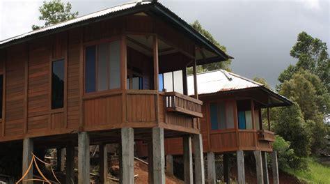 desain rumah batu kayu design rumah model terbaru