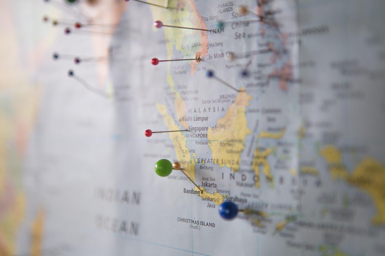 Gambar ilustrasi peta persebaran batu andesit di Indonesia